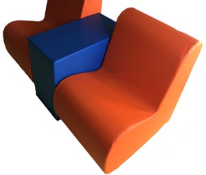 monad_chair_with_arm_rest_side_table_module